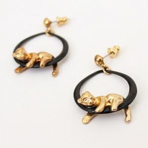 4468-zwarte-vintage-oorbellen-gouden-leeuwtje-2