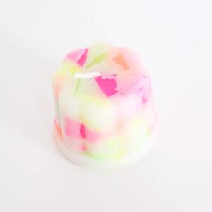 4981-handgemaakte-pudding-kaars-neon-flakes-klein-3