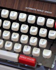 5289-brother-deluxe-1350-typemachine-5