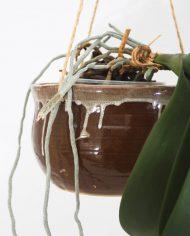 5295-vintage-bruine-keramiek-hangpot-plantenhanger-bloempot-jaren-70-2