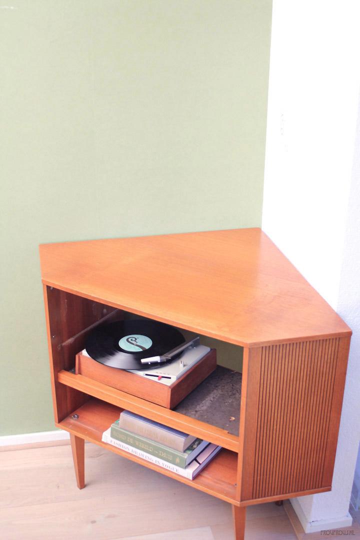 Vintage audiomeubel met ingebouwde speakers froufrou 39 s for Jaren 50 60 meubels
