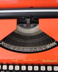 5404-oranje-typemachine-remington-riviera-3