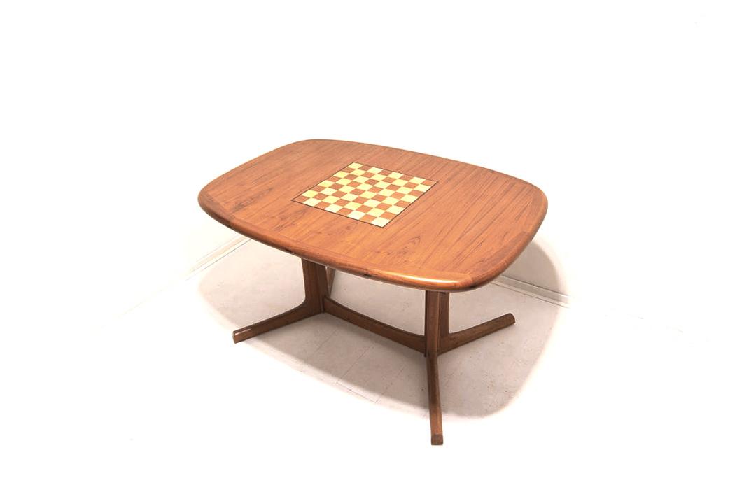60s vintage Dyrlund eettafel met schaakbord