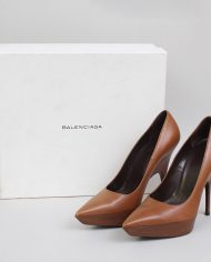 872-balenciaga-pumps-brown-pointed-leren-1-2