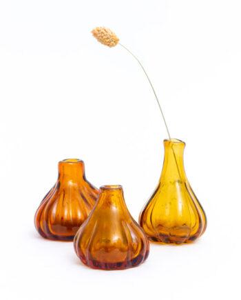 Antieke vaasjes amberkleurig glas set van 3