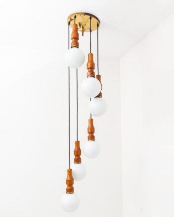 Cascade hanglamp met teakhouten fittingen en witte opaline bollen jaren 70