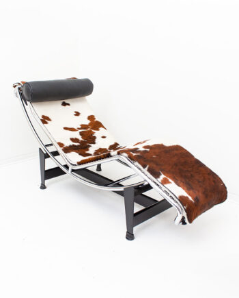 Cassina LC4 pony skin chaise longue Le Corbusier Perriand