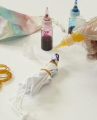 DIY kit mondkapjes tie-dye Kikkerland