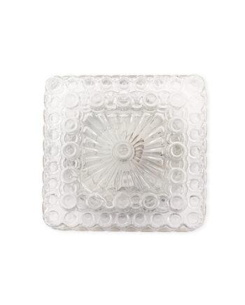 Mooie glazen plafonnière in een vierkante vorm. Het glas van deze vintage lamp heeft een reliëf met cirkels. Deze textuur helpt het licht