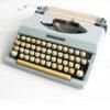 Grijze vintage Argo Typemachine model 7200