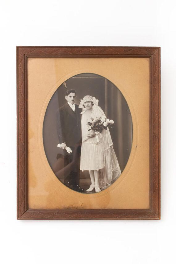 Grote vintage foto van Bretons bruidspaar in originele lijst