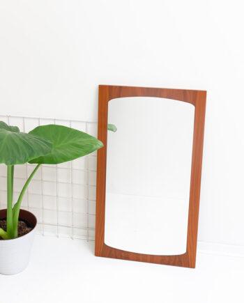 Grote vintage houten spiegel op teakfineer