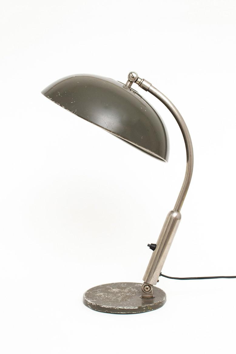Hala Busquet P-144 legergroene bureaulamp jaren 50 landmacht