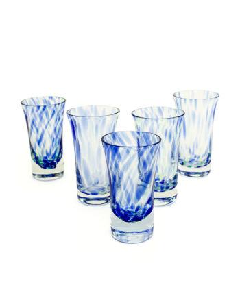 Handgeblazen drankglaasjes met blauwe en groene 'vegen' - set van 5