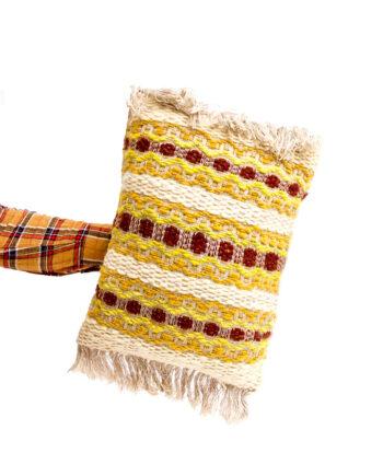 Handgemaakt wollen jaren 70 kussen met franjes