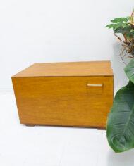 Hondenbench van hout vintage met handvatten aan de zijkant