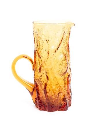 Jaren 70 karaf van amberkleurig glas met schors reliëf