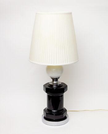 Jaren 70 tafellamp met zwart gelakte voet en plissé kap Art Deco stijl