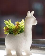 Lama bloempotje van wit keramiek Kikkerland