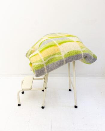 Leidse deken van 100% wol met groen/geel patroon