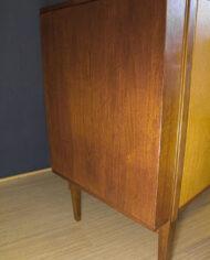 Mahonie Eikenfineer vintage dressoir met 4 lades en deurtjes