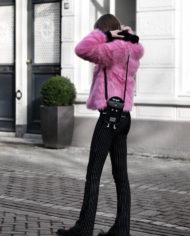 Make-people-stare-roze-fur-froufrous-pradon-tasje (3)
