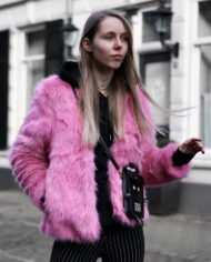 Make-people-stare-roze-fur-froufrous-pradon-tasje (5)