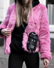 Make-people-stare-roze-fur-froufrous-pradon-tasje (7)