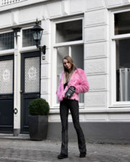 Make-people-stare-roze-fur-froufrous-pradon-tasje (9)