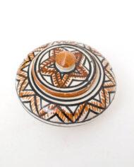 Marokkaans-keramiek-bakje-met-deksel-wit-bruin-zwarte-patronen-3