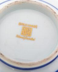 Met de hand geschilderde Japanse bowl met opstaande rand Gold Imari porselein