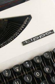Nederlandse-Adler-Tippa-70s-typemachine-2
