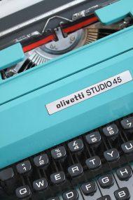 Olivetti-Studio-45-turquoise-typemachine-13