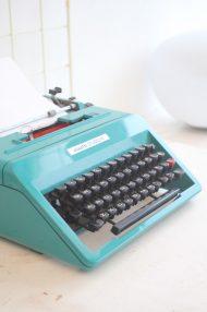 Olivetti-Studio-45-turquoise-typemachine-3