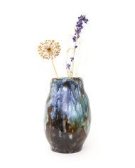 Organische fat lava vaas John L. Goooger met bruine en blauwe tinten