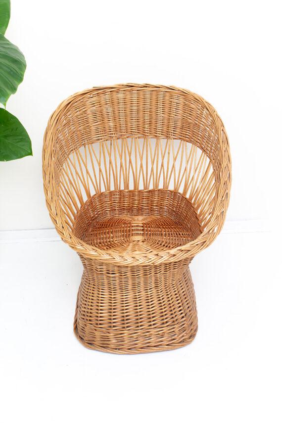 Relaxte rotan stoel fauteuil met lage zit