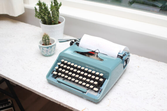 pastelturquoise typemachine