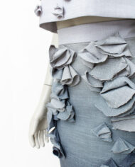 Studio Bolder grijze top en ombre kokerrok met 3D decoraties