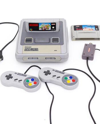 Super Nintendo SNES 1992 vintage Mario Kart en Road Runner 2 controllers coax aansluiting originele adapter