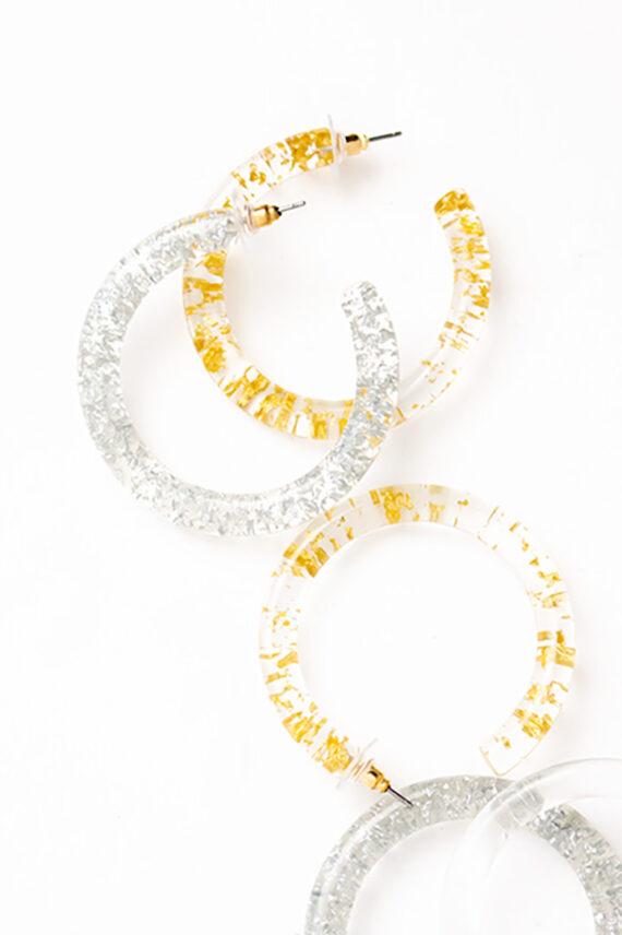Transparante oorringen met metallic confetti