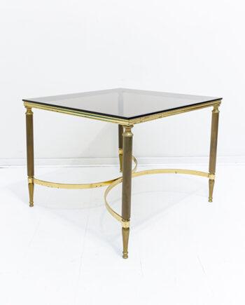 Vierkante salontafel met rookglas en messing onderstel vintage