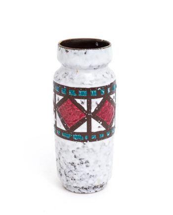 Vintage Strehla vaasje met wit fat lava glazuur en decoratief patroon
