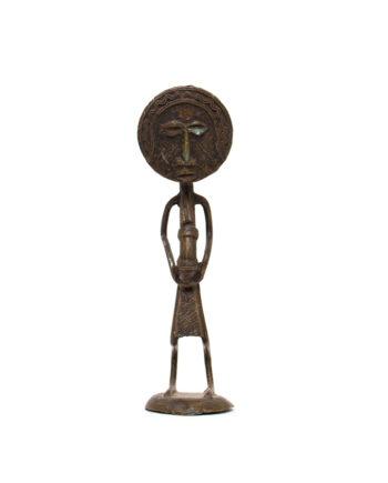 Vintage beeld gebogen figuur met een rond hoofd