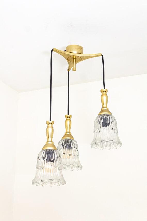 Vintage cascade messing hanglamp met glazen bloemkelken als kap