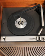 Vintage-eikenhouten-radiomeubel-Grundig-Bergamo-3-10