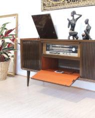 Vintage-eikenhouten-radiomeubel-Grundig-Bergamo-3-2