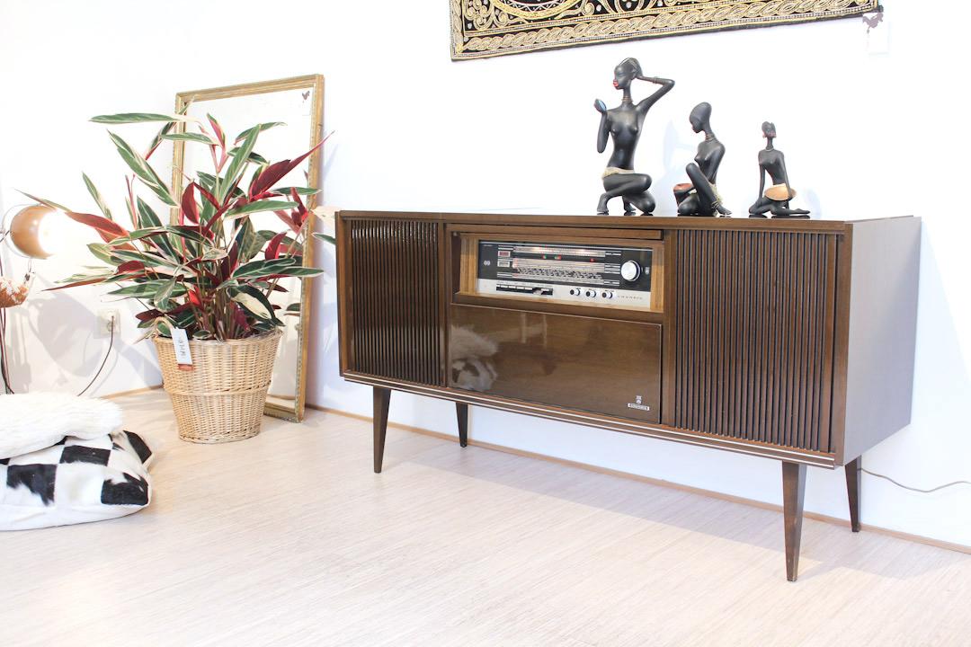 Vintage eikenhouten radiomeubel Grundig Bergamo 3