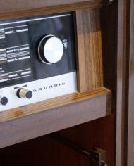 Vintage-eikenhouten-radiomeubel-Grundig-Bergamo-3-4