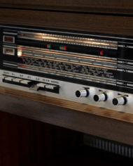 Vintage-eikenhouten-radiomeubel-Grundig-Bergamo-3-9