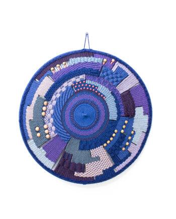 Vintage geweven wandornament blauw en paars met kralen
